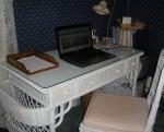 A very nice desk